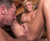 Super Hot MILF Holly Sampson